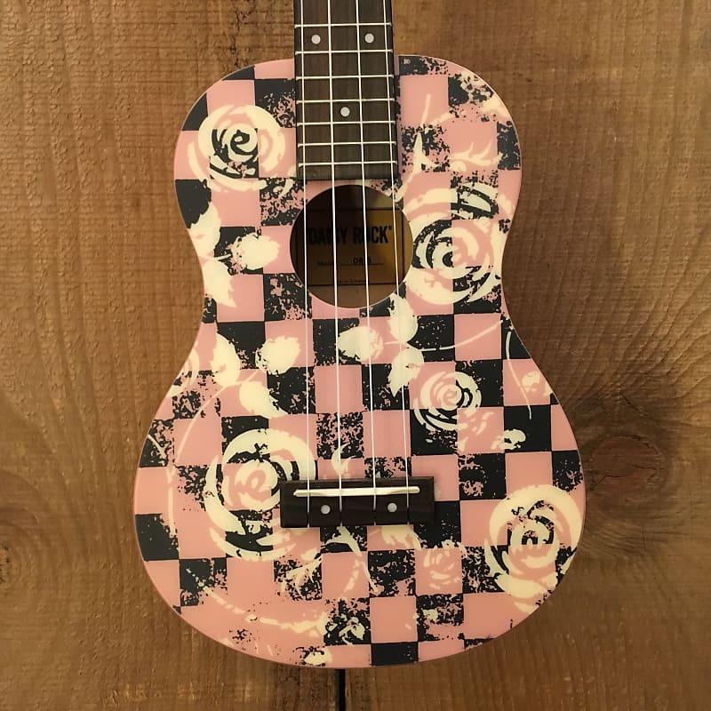 Daisy Rock DR-3 Concert Ukulele Pink