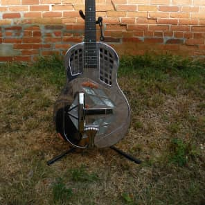 Recording King RM-991-R Tricone Roundneck Resonator Nickel-Plated Bell Brass