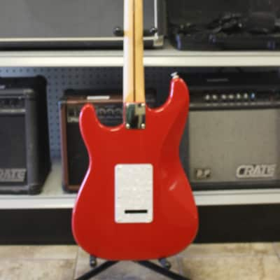 Fender Squier MIM Stratocaster HSS Red with Perloid Pickguard
