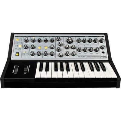 Moog Sub Phatty 25-Key Synthesizer