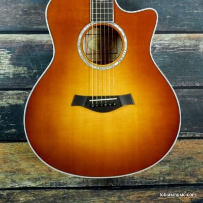 Taylor 616ce Honey Sunburst Grand Symphony
