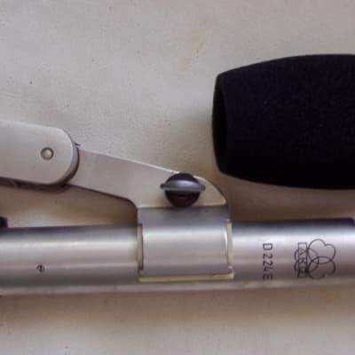 AKG D224E Dual ElementCardioid Dynamic Mic Silver