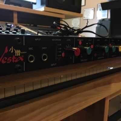 Vesta DIG-410 80s Black