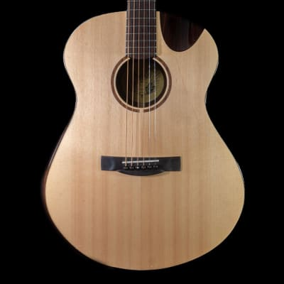 Avian Ibis Rosewood Acoustic Guitar in Natural, Pre-Owned for sale
