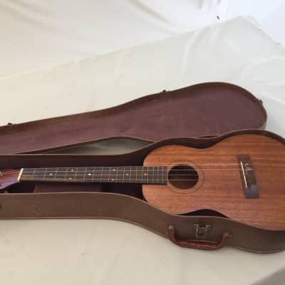 dating harmoni baryton ukulele