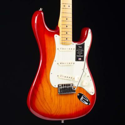 Fender American Ultra Stratocaster Maple Fingerboard Plasma Red Burst 416