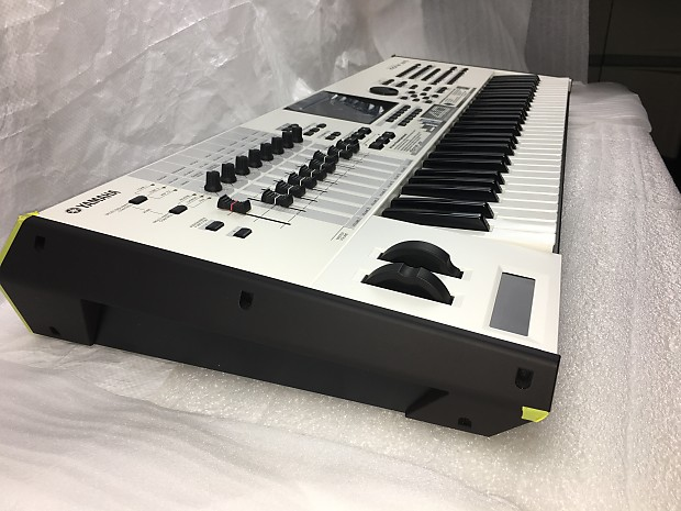 NEW -Yamaha MOTIF XF6 40th Anniv  White - W/Complete Expansion Cards & New  Gator Pro Hard Case