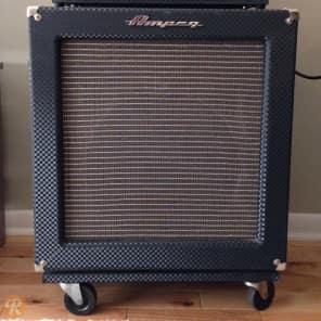 """Ampeg B-15R Portaflex 100-Watt 1x15"""" Fliptop Bass Combo"""