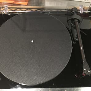 Project Debut Carbon Esprit SB Turntable with Speed Box