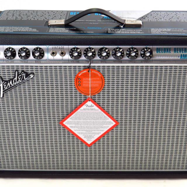 Fender '68 Custom Deluxe Reverb Guitar Amplifier, Demo image