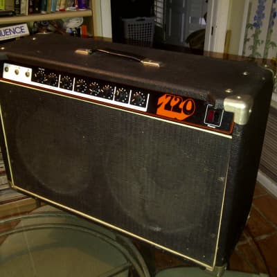 Unicord Unicord Stage Westbury S720L guitar amp Good condition, solid state vintage for sale