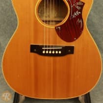 Gibson LG-2 Early '60s Natural image