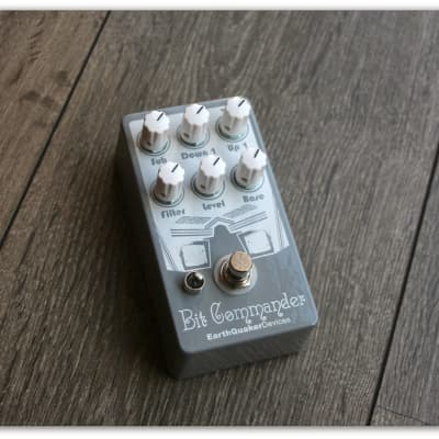 """EarthQuaker Devices """"Bit Commander Guitar Synthesizer"""""""