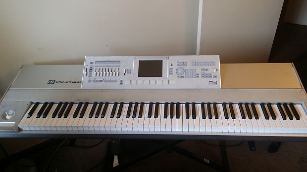 Korg M3 88-Key Workstation (with XPanded USB Thumb drive and 6' TRS cable)