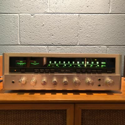 Sansui Eight Deluxe Stereo Receiver