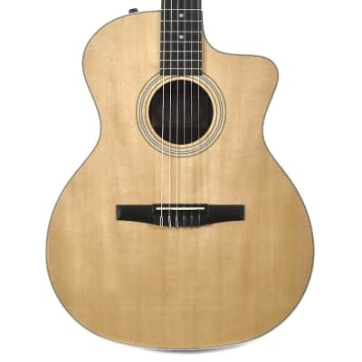 Taylor 214ce-N Sitka Spruce / Rosewood Nylon Grand Auditorium with ES-N Electronics, Cutaway 2014 - 2016