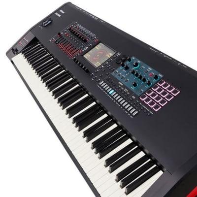 ROLAND FANTOM 8 workstation synth 88 Keys