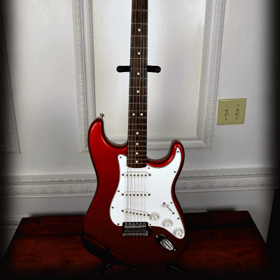 Fender 60's Medallion Stratocaster Strat 2006 Candy Apple Red Electric Guitar Mexico Mex for sale