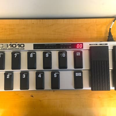 Behringer FCB1010 MIDI Foot Controller Pedal