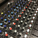 Peavey PV14AT  14 Channel Compact Mixer