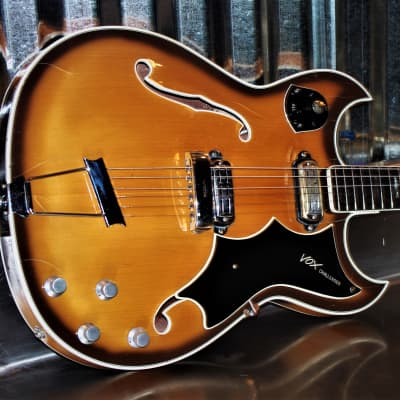 Vox Challenger 1964 Sunburst. RARE. Only made for two years. Beautiful. Collectible.  Crucianelli for sale