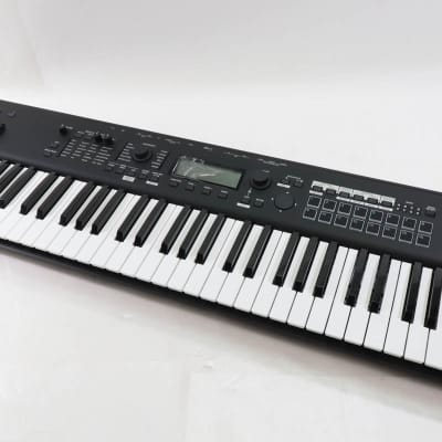 Korg Kross2 61 - Shipping Included*