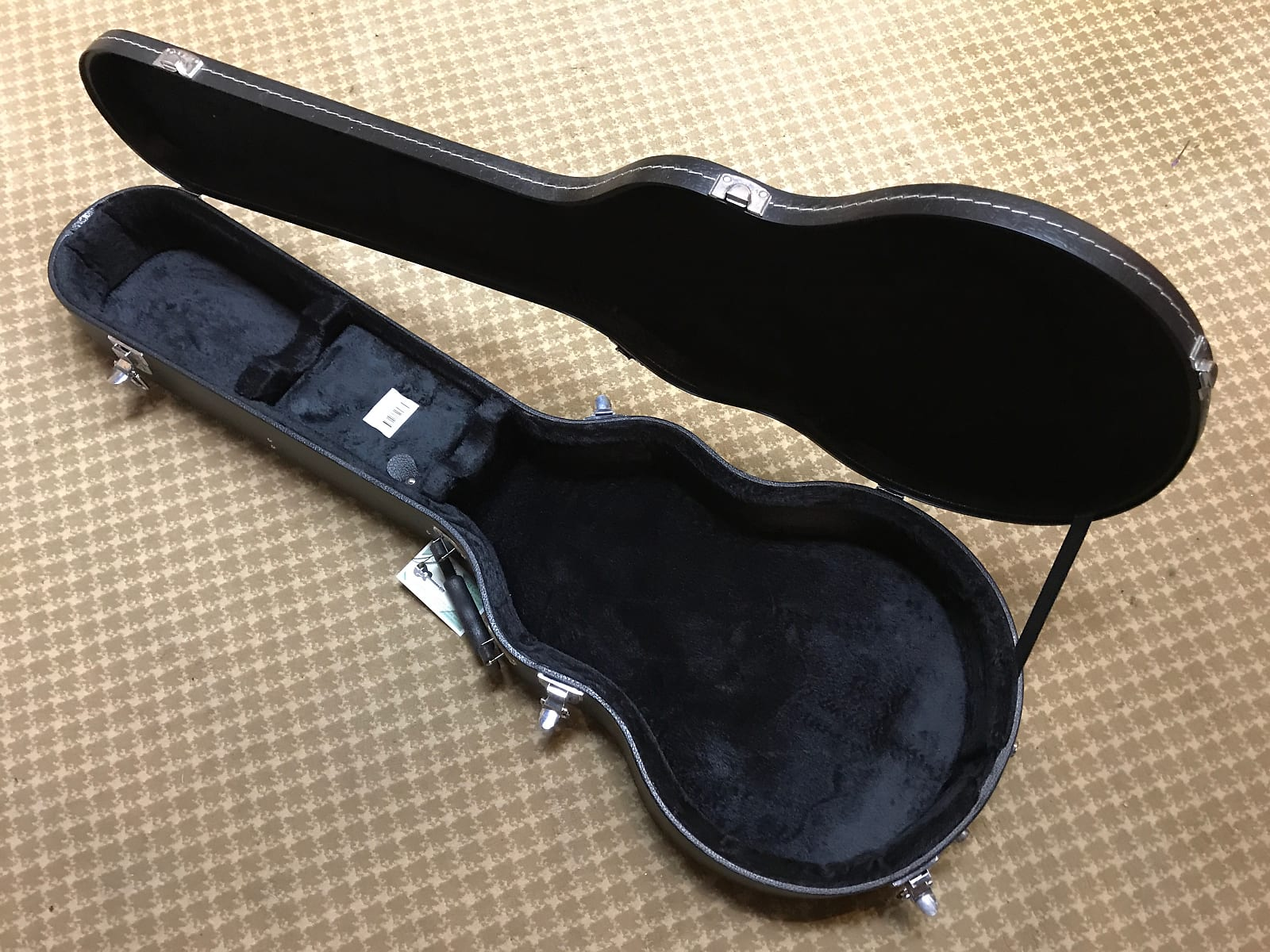 On-Stage GCLP7000 Single Cutaway Hardshell Electric Guitar Case Black