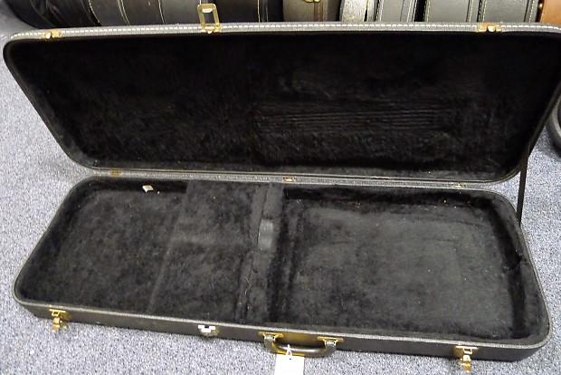 kramer electric guitar case vintage 80s pacer great reverb. Black Bedroom Furniture Sets. Home Design Ideas