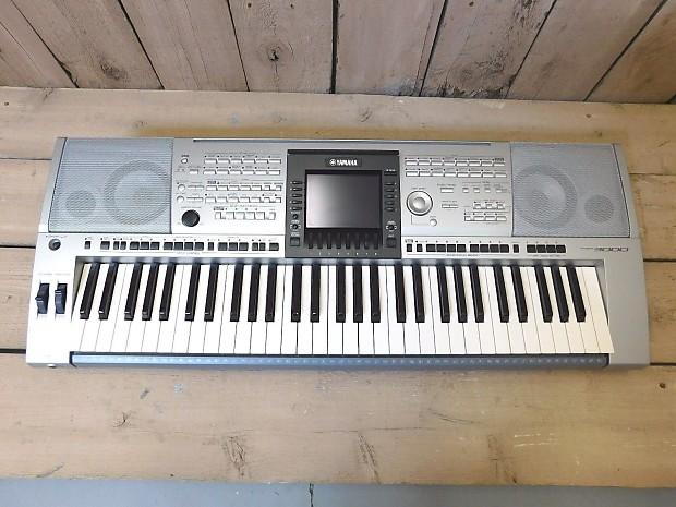 Yamaha PSR-3000 61-Key Arranger Workstation Keyboard WITH FLIGHT CASE!!