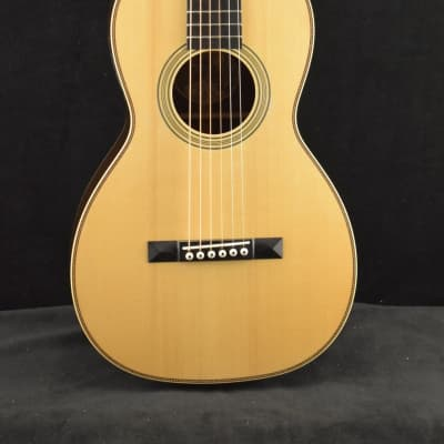 Collings Parlor 2H T Traditional 12-Fret Adirondack Spruce Top Natural
