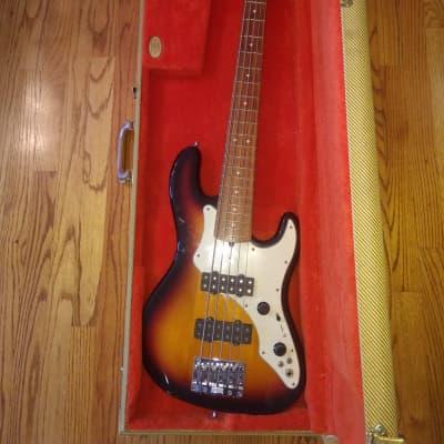 Fender Roscoe Beck Signature Bass Sunburst for sale