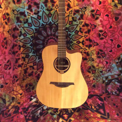LAG Tramontane T70DCE Natural With Gig Bag