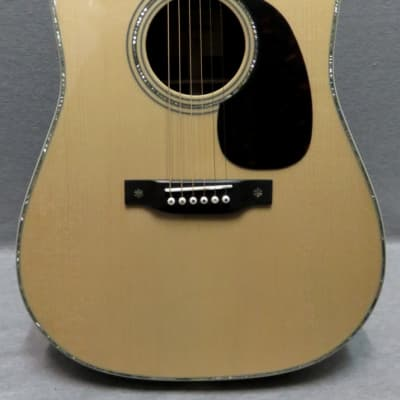 Eastman E40D Acoustic Guitar With Hardshell Case In Store Demo Model