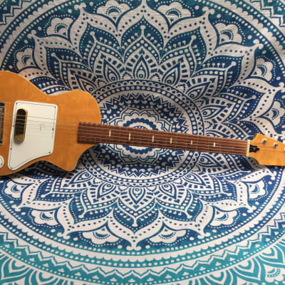 Guyatone Star EG-90 Feather 1950's-60's with original case for sale