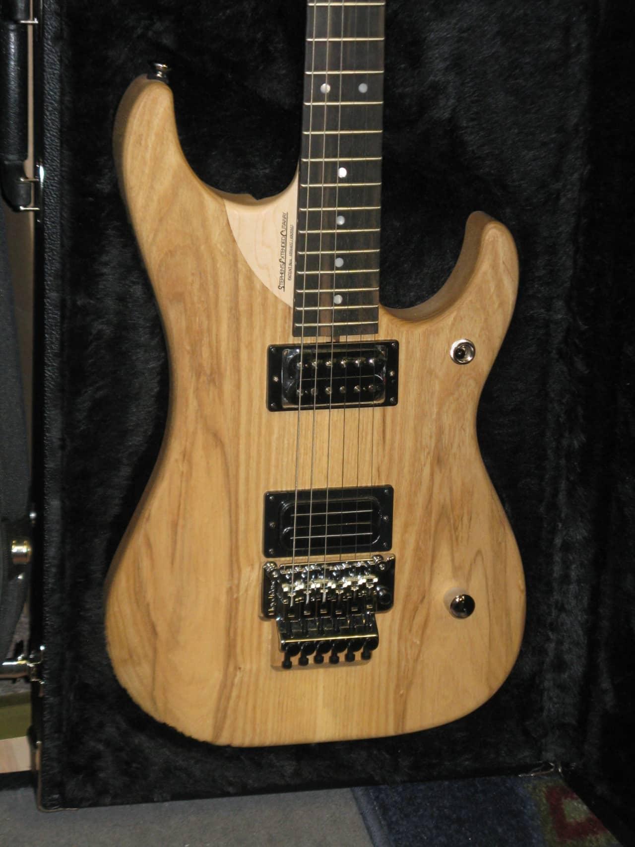 I am selling my 2011 Washburn N7 Nuno Bettencourt 7 string .