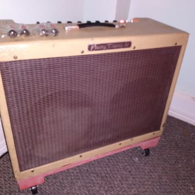 Peavey Classic 50 Tweed 2x12 USA Combo + 4 Brand New EL84 Tubes + Footswitch + Chassis + Casters