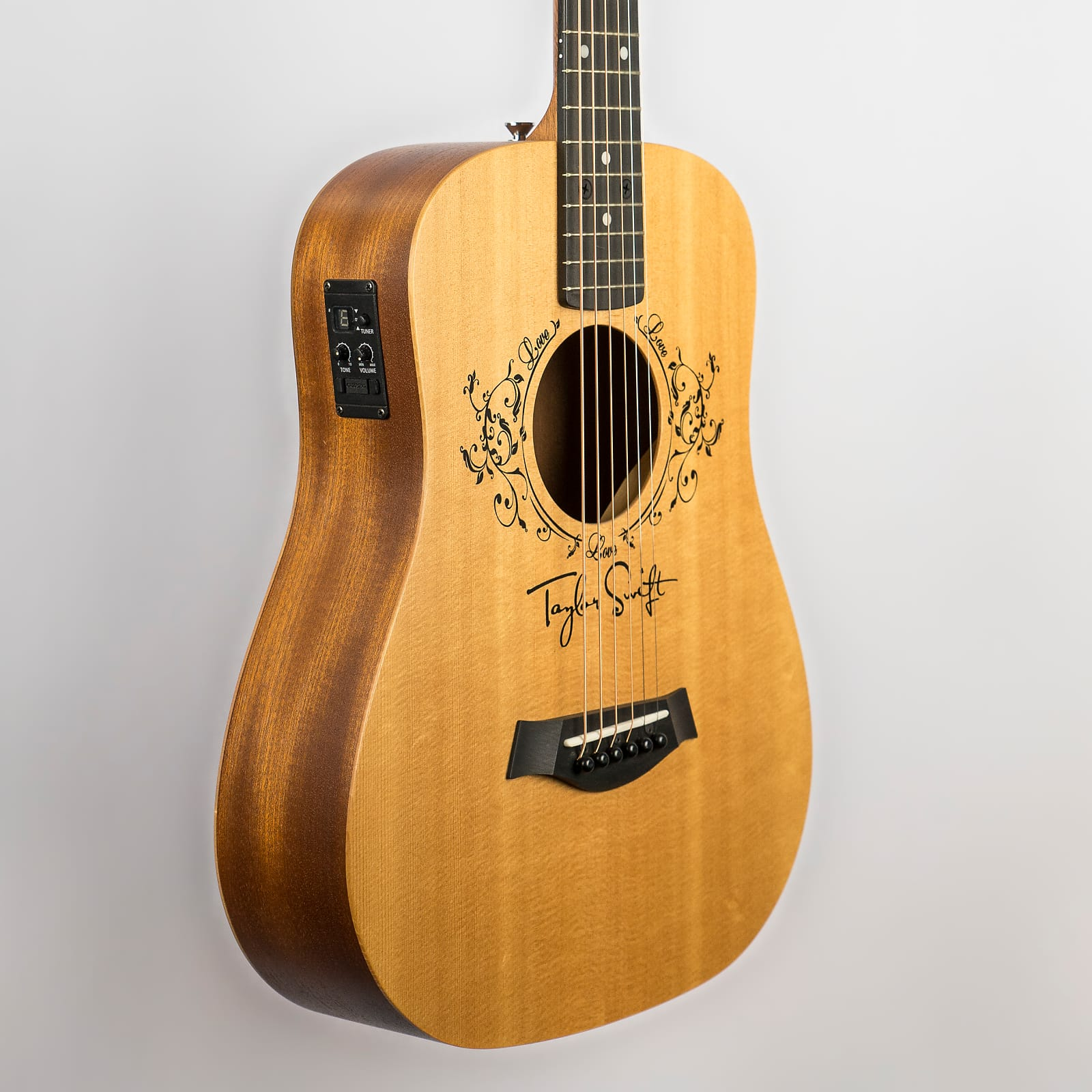 Taylor Swift Baby Taylor E 3 4 Sized Acoustic Electric Guitar 2015