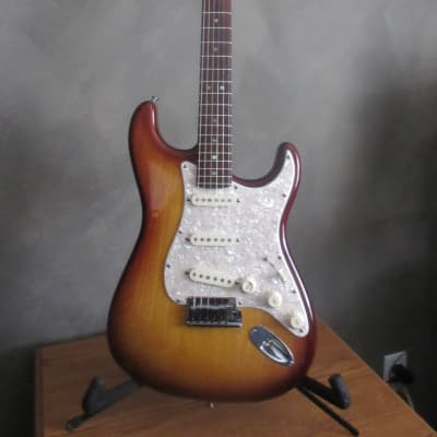 2007 Fender American Deluxe Stratocaster Ash Ash RW TBS with Hard Shell Case for sale