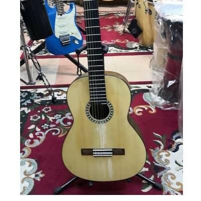 Chitarra classica spagnola Amalio Burguet Andante anno 2014 (Usata) con riparazi for sale