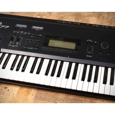 Yamaha SY77 Digital Synthesizer