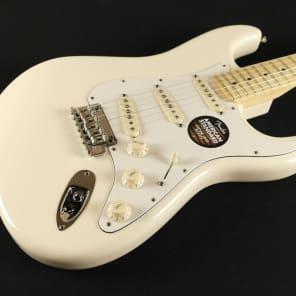 Fender American Standard Stratocaster - Maple Fingerboard - Olympic White 0113002705 (892) for sale