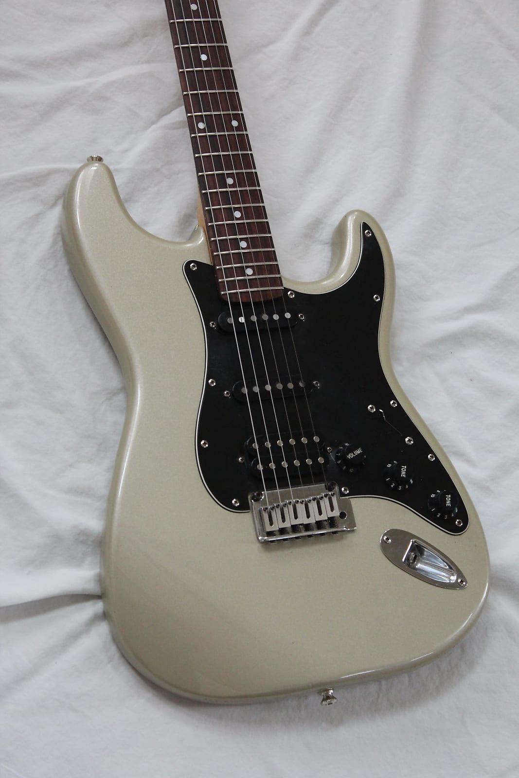2001 Squier Stratocaster Standard Series Guitar 2 Point Trem - Shoreline  Gold Finish