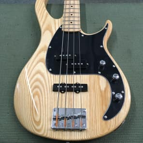 Peavey Milestone 4-String Electric Bass Natural