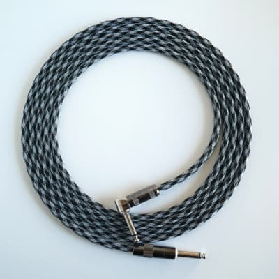 10 ft. New JS Mogami 2524 Inst. Cable w/ G&H 0-90 Plugs, Checker TFlex
