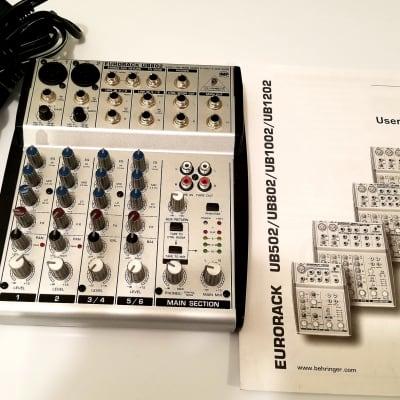 Behringer Eurorack UB802 8-Input 2-Bus Mixer