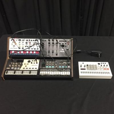 Korg Volca Bundle, Sample, FM, Modular, Drum, Mix, and Stand