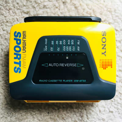 Sony WM-AF59 [COLLECTIBLE] Walkman Cassette Player, Awesome Yellow, Working !