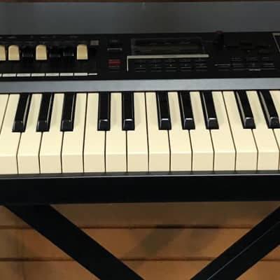 Hammond SK1-73 Digital Stage Keyboard and Organ