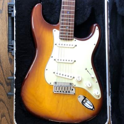 Fender American Deluxe Stratocaster (Ash) 2006 Tobacco Sunburst 60th Anniversary for sale