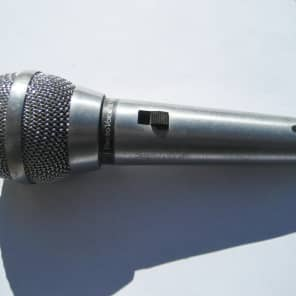 Electro-Voice 671A Handheld Cardioid Dynamic Microphone with Switch